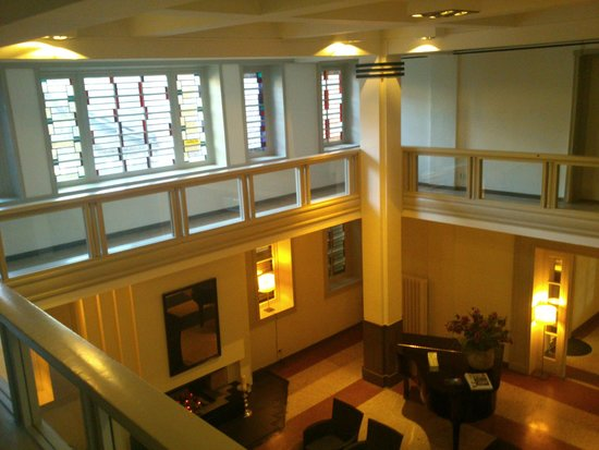 Tulip Inn Heerlen City Centre: Central lobby