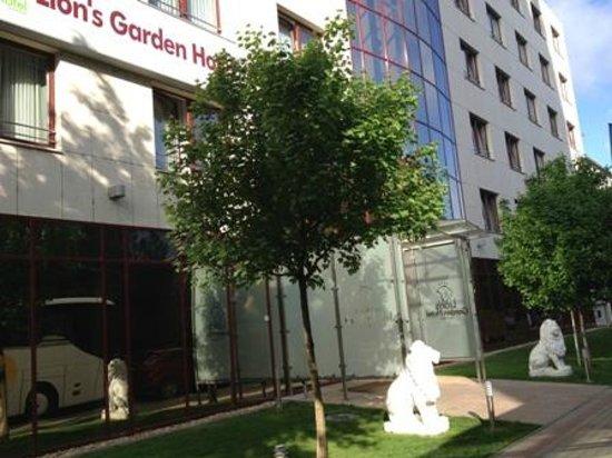 Lion's Garden Hotel: 外観