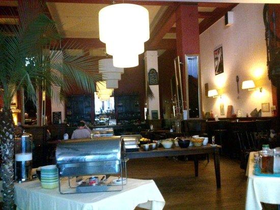 Tulip Inn Heerlen City Centre: Breakfast room / Irish Pub / Irish restaurant