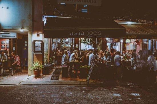 Asia Joe's: Outside In - Bay Lane in action