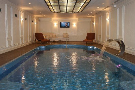 Fairmont Grand Hotel Kyiv: Swimming Pool