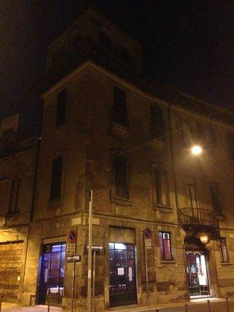 L 39 esterno del ristorante foto di taverna moriggi milano for L esterno del ristorante sinonimo