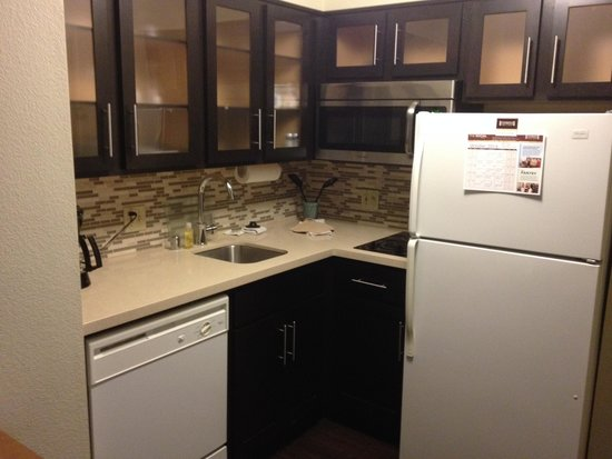 Staybridge Suites San Diego Rancho Bernardo Area: The kitchen