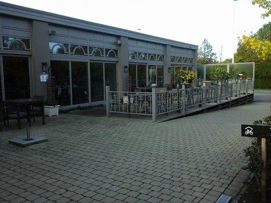Eurotel Lanaken - Different Hotels : terrasse