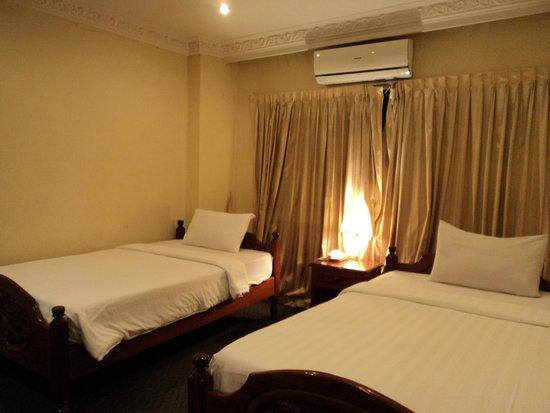 Monica Angkor Hotel: Room