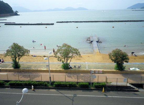 Shikisainoyado Hanatsubaki: 若狭の海は真ん前に