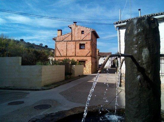 El Rincon de Monasterio: Plaza de la iglesia de Monasterio