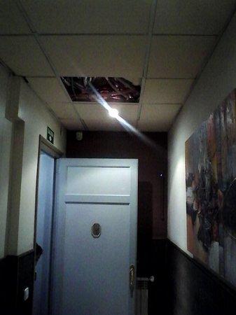 Hostal Abadia Madrid: PERICOLO
