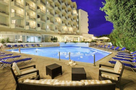 BEST WESTERN Hotel Fenix: Pool Area