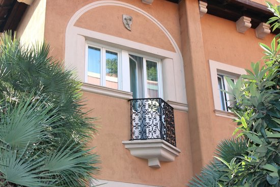 Hotel Aventino: Close up of our balcony.