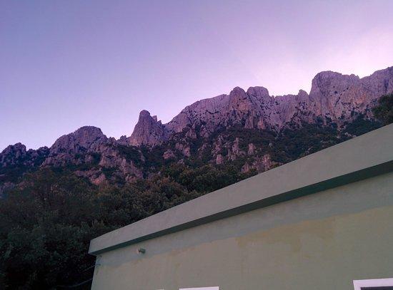 Enis Monte Maccione: Supramonte, vista dalla terrazza