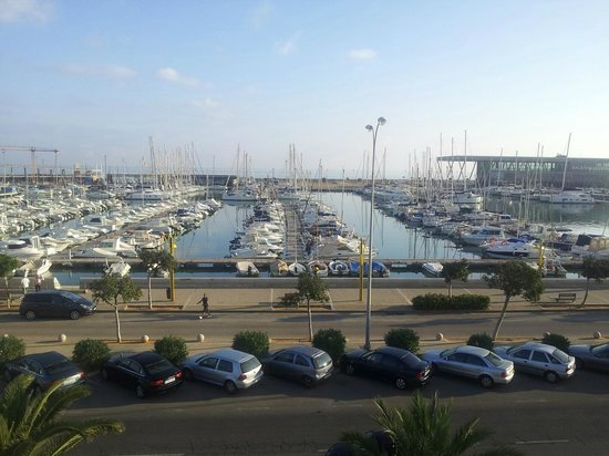 Hotel El Raset : Vista al puerto desde la habitación