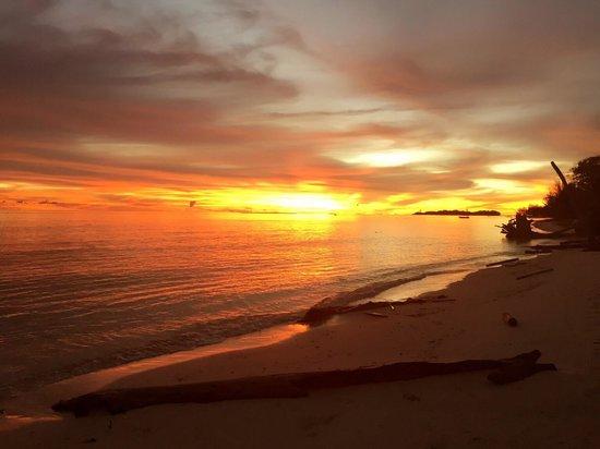 Mantanani Paradise: Sunset at mantanani