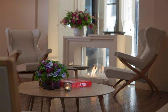 Hotel De Nell: la cheminée du lobby