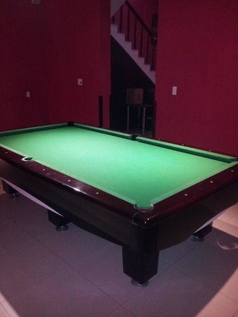 Murphy's Steakhouse: Pool table out the back