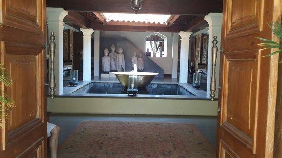 Jeeva Saba Bali : Entrance