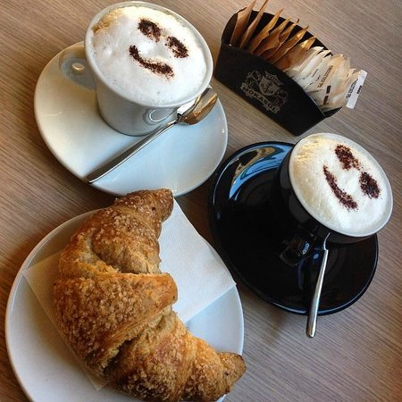 Circolo del Caffe' : Iniziamo la giornata con un sorriso !!