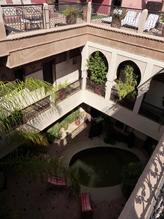 Les Sources Berberes Riad & Spa: Innenhof vom Dach