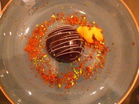de Mangerie: Dessert: Melo with mandarine, meringue and speculos