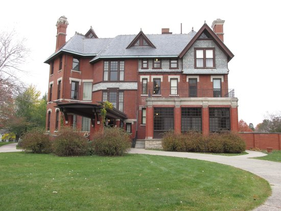 Brucemore Mansion