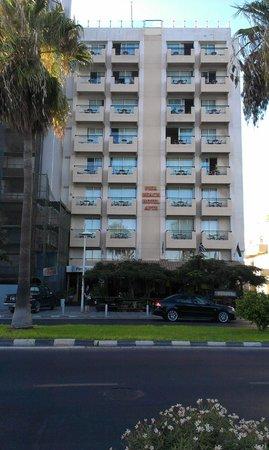 Pier Beach Aparthotel: Vooraanzicht hotel