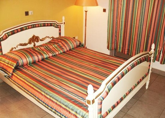 Hotel Nouvelle Pergola: une chambre classique