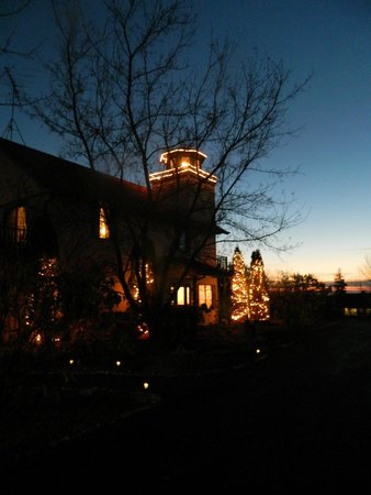 Door County Lighthouse Inn: Night Niew
