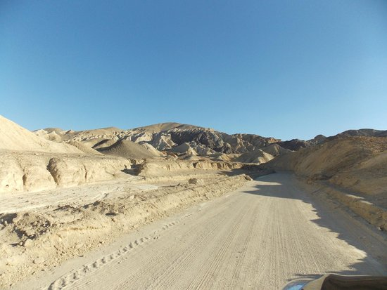 Twenty Mule Team Canyon: Not a bad surface to drive on