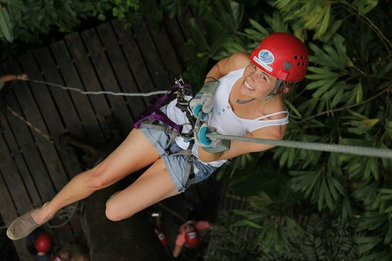 ‪‪Canopy Safari‬: Canopy Safari rappel fun!‬