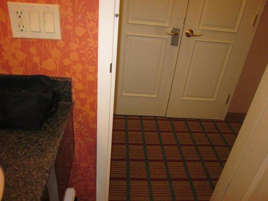 Renaissance Asheville Hotel: Room decor