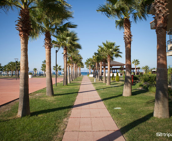 Grounds at the Radisson Blu Resort & Spa, Cesme
