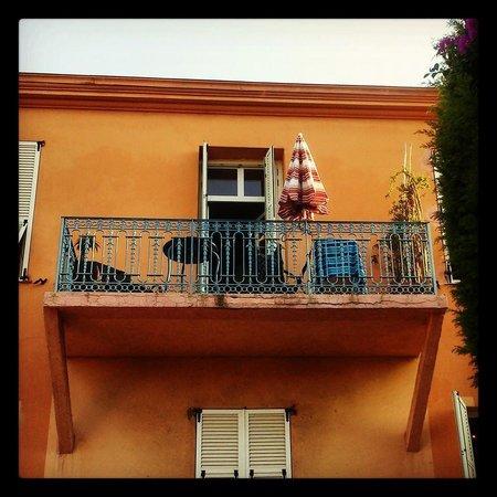 Hotel La Villa Patricia: The balcony.