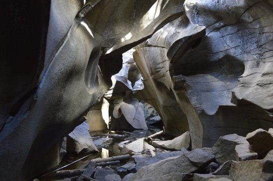 Grottos Trail