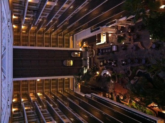 Embassy Suites by Hilton Hotel San Francisco Airport (SFO) - Waterfront: In the Hotel