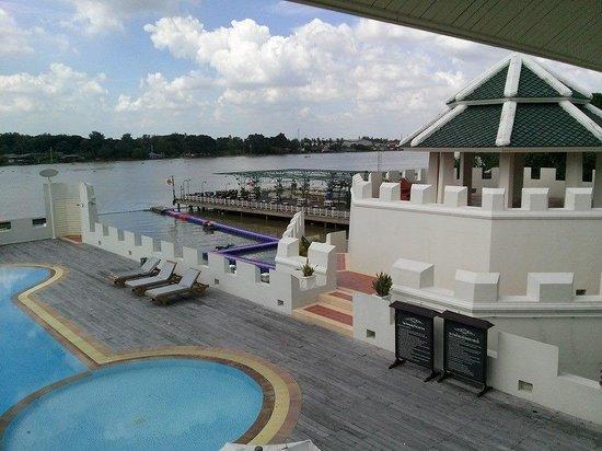 Buddy Oriental Riverside Pakkred: riverview from room