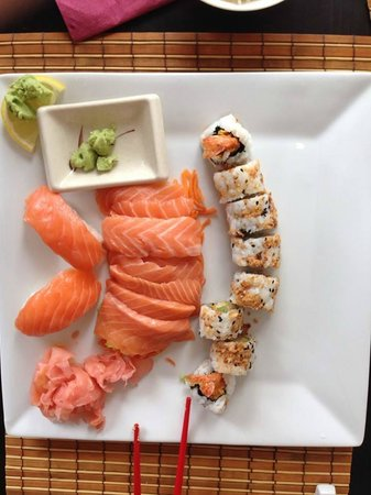sakura: sushis au saumon et makis croustillants