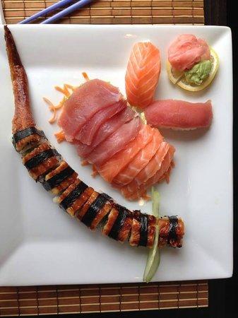 sakura : Nouveauté : le menu Dragon (makis à l'anguille)