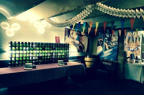 restaurante cabrils: Decoración local
