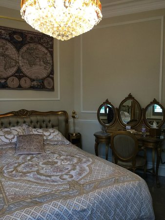 Tower Guest House: Beautiful Decor
