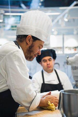 CUCINA Lorenzo de' Medici-Cooking School: Con i nostri chef si impara partendo dalle basi
