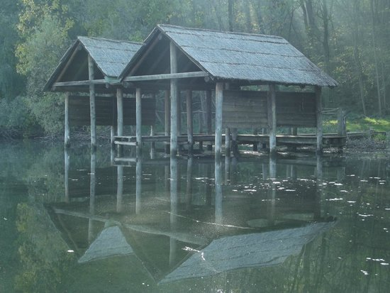 Viverone, Italia: Palafitte dal lago