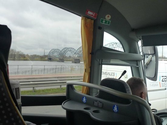 Riga Free Tour : view from the bus