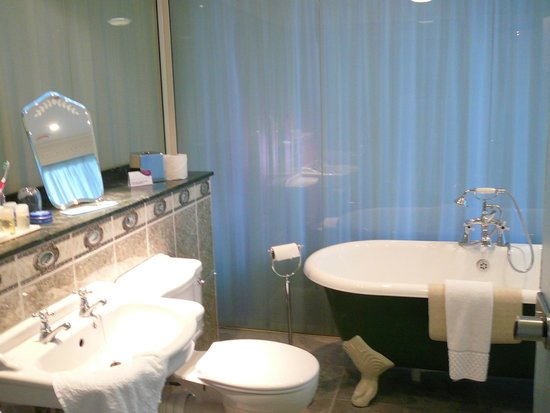 Crowne Plaza Edinburgh - Royal Terrace: Gorgeous bathroom