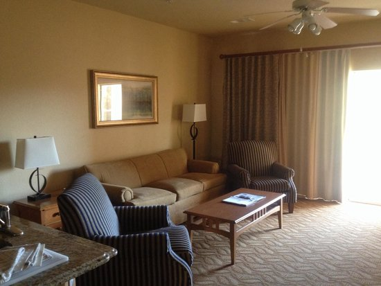 2 room deluxe picture of wyndham branson at the meadows for Cabins at branson meadows