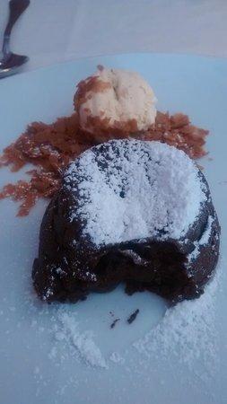 La Hosteria de Oropesa  Restaurant : Chocolate caliente con helado