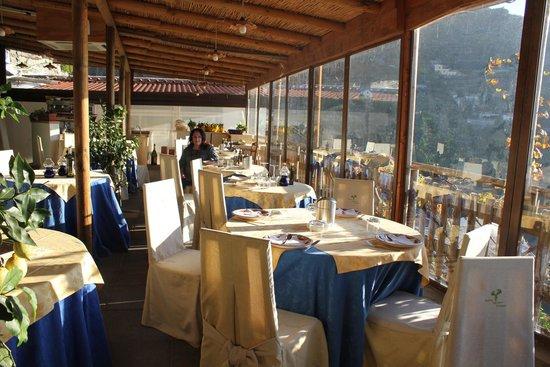 Holidays Fico d'India: sala da pranzo con vista sul fiordo