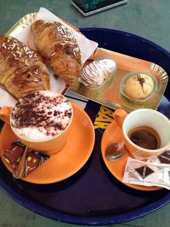 Lainate, Italie : Colazione super ��