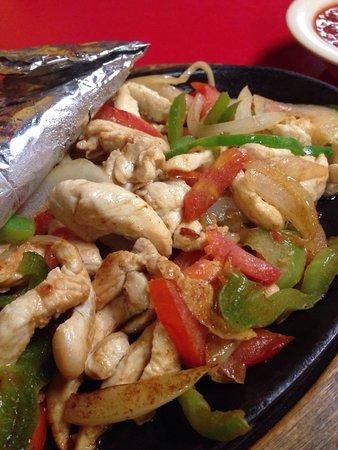 El Tapatio: Chicken Fajita.  Just as good as everything else!