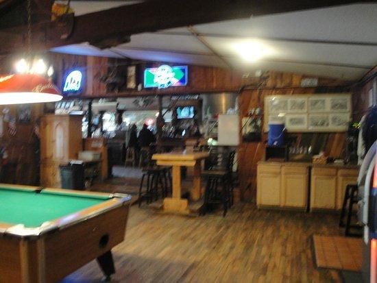 Sala de refeições do Two Bit Saloon