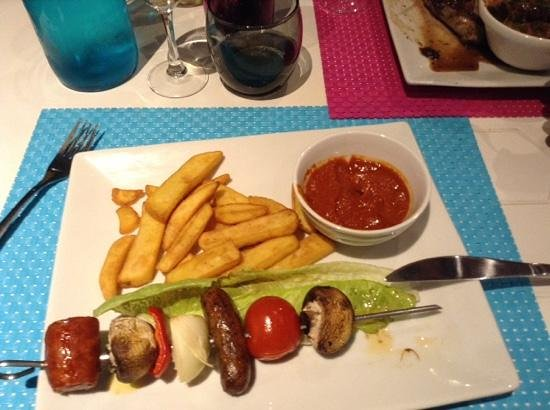 La Ruche : Main meal with oven chips